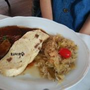 豬頸肉搭酸白菜與knedliki