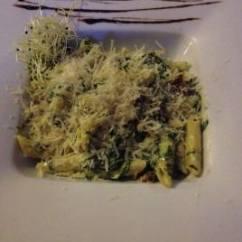 奶油菠菜義大利麵