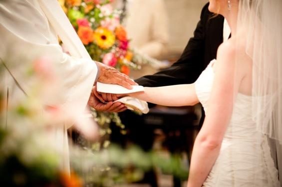 bc3a9nc3a9diction_des_c3a9poux_lors_d27un_mariage