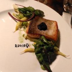 魚排佐魚子醬